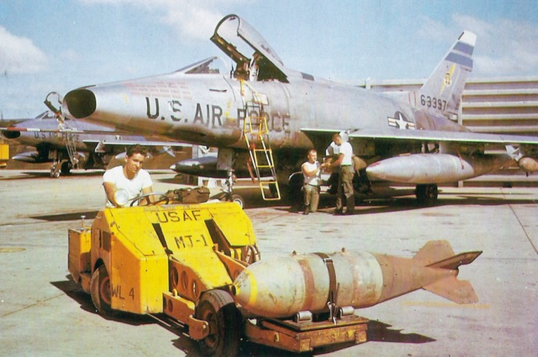 F-100D_308TFS_31TFW_TuyHoa_1966