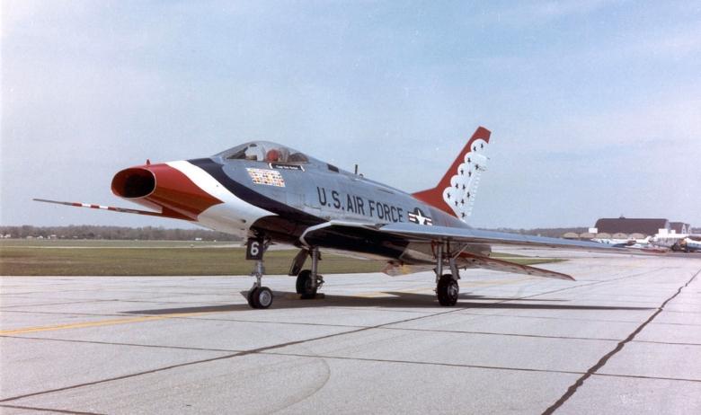 North_American_F-100D_Super_Sabre_USAF