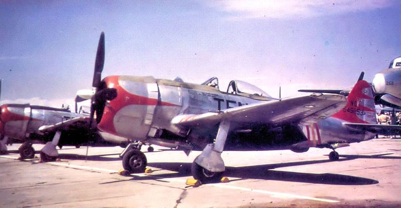 800px-105th_Fighter_Squadron_P-47N_45-49253