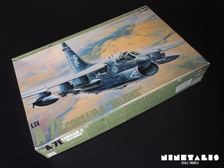 A-7E-boxside