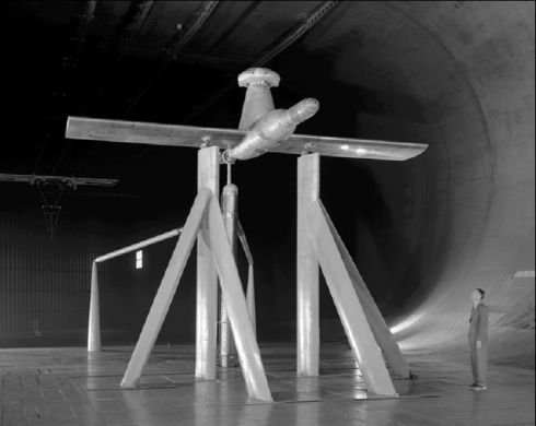 McDonnell_XV-1_Wind_Tunnel_Parts_Test_NASA