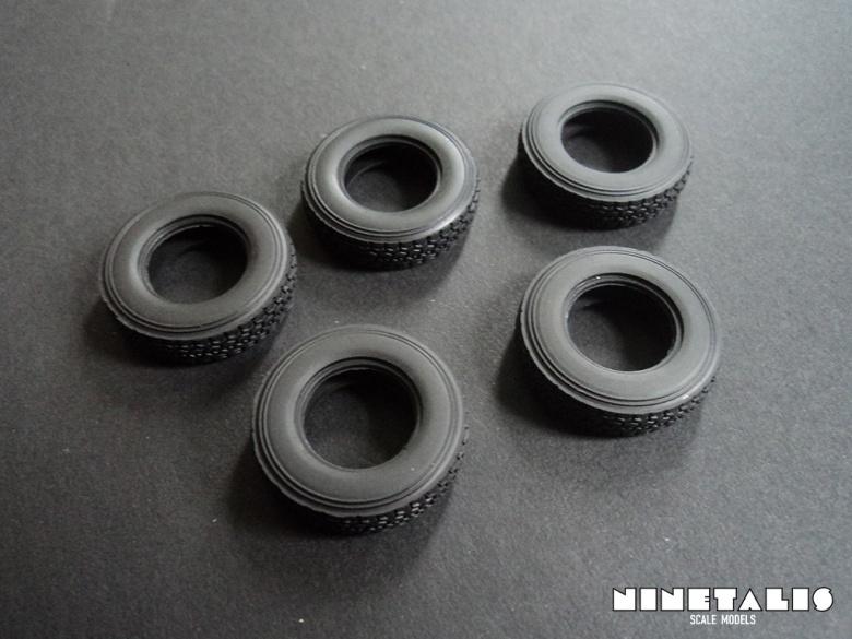 Pickup-ZPU2-rubberwheels1