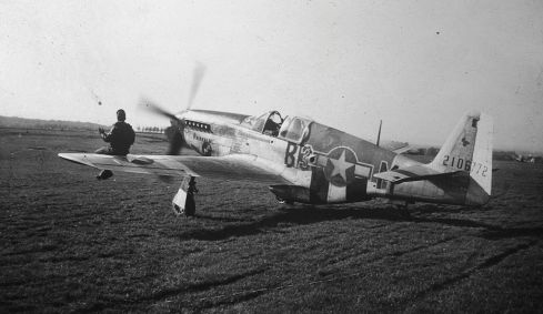 Azeville_Airfield_-363d_FG_P-51_B3-M,_serial_number_42-106772