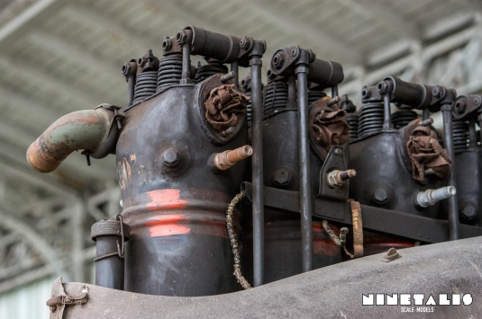 CV-W-enginecilinders1