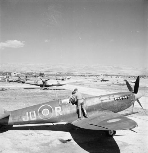 royal_air_force-_italy_the_balkans_and_south-east_europe_1942-1945-_cna4029