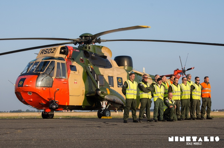 The ground crew posing in front of their BAF Westland Seaking mk 48 'SR02'.