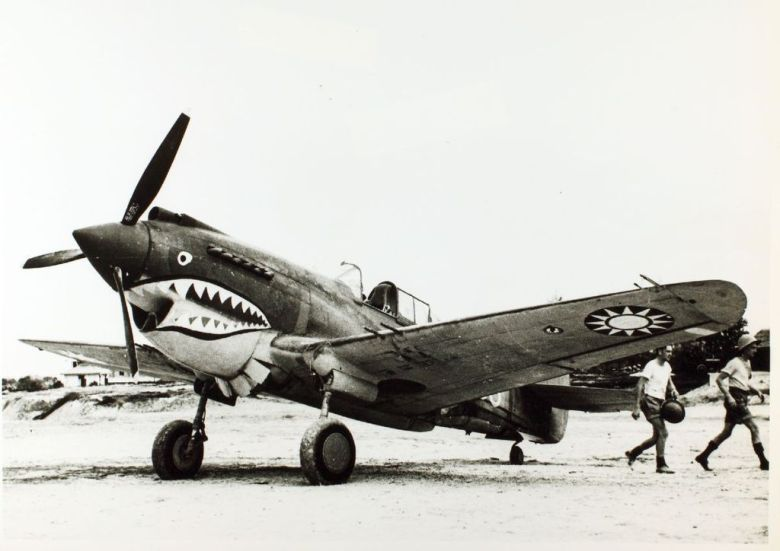 curtiss_p-40c_model_h_81-a3