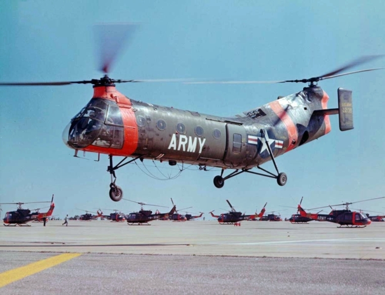 ch-21c_shawnee_us_army_in_flight