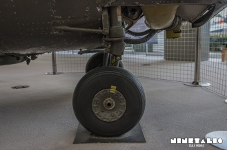 w-h19-frontlandinggear