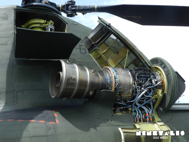 chinook-w-engine