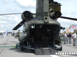 chinook-w-loadingplatform2