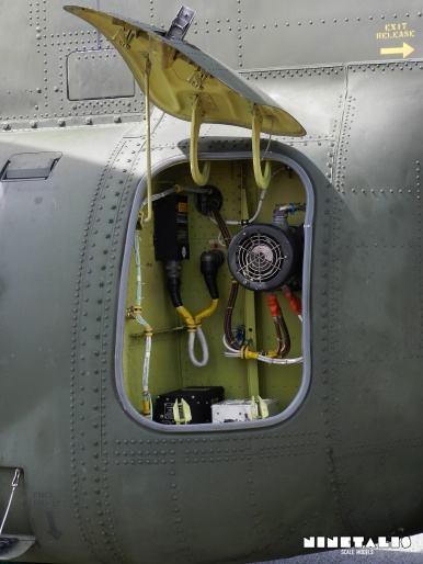 chinook-w-sidepanel1