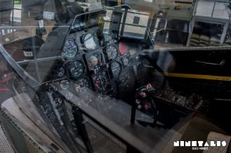 JGSDF-AH1S-W-cockpit1