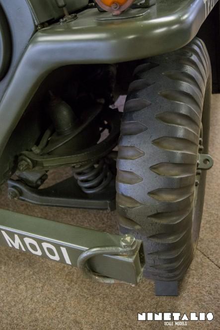 M151A1-W-frontchassisvert