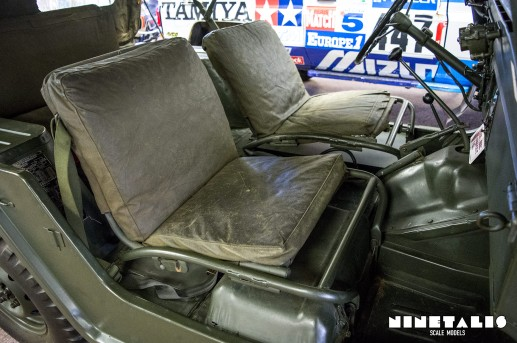 M151A1-W-frontseats2