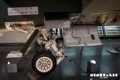 Mitsubishi-F1-W-Mainlandinggear1