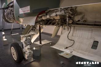 Mitsubishi-F1-W-Mainlandinggear3