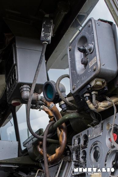 ZIL135-cabinvertdetail