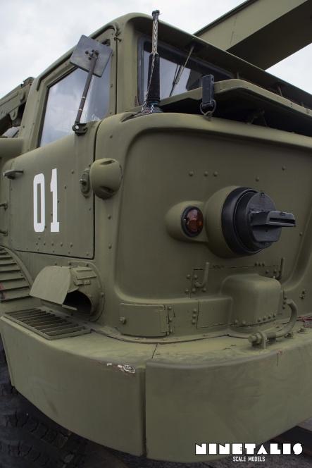 ZIL135-frontrightvert2