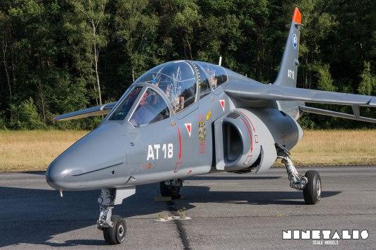 W-Alphajet-front2