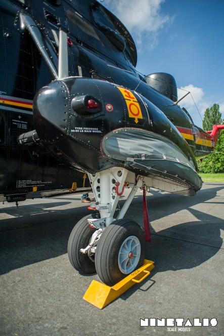 W-SeakingRS05-ver-landinggear