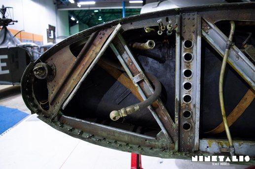 BF110-wingfueltank2