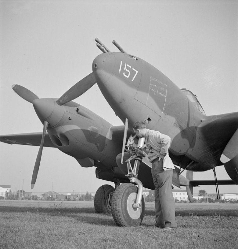 981px-Lockheed_P-38G-1-LO_Lightning_LOC_fsa.8d22581